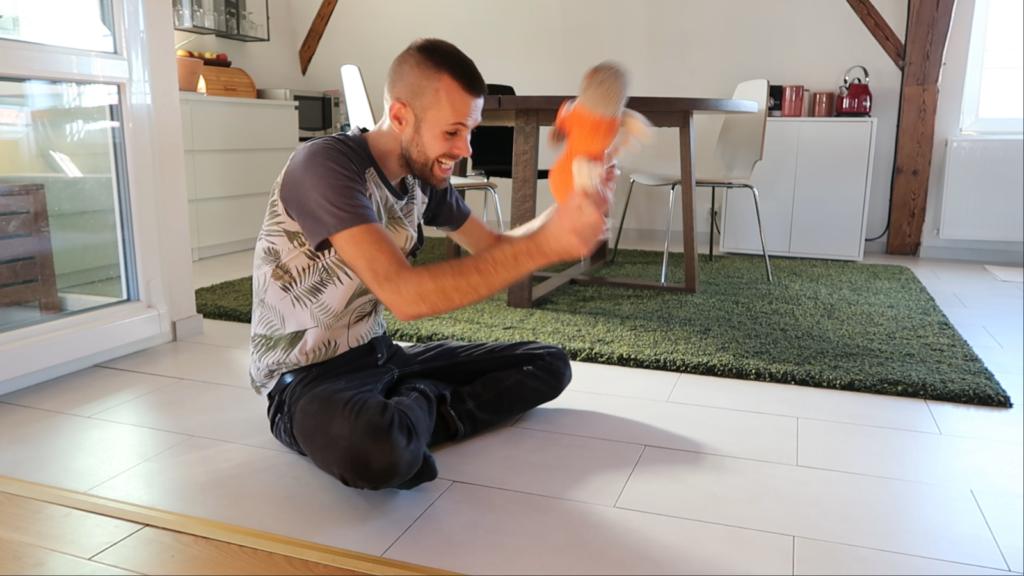 Apprendre à son chien à ramener la balle - Lui donner envie de jouer